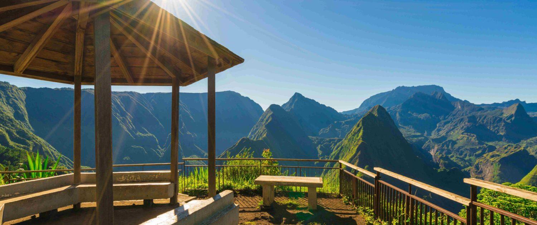 Découvrez les points de vue exceptionnels de Mafate avec Keylodge, leader de la location saisonnière à la Réunion