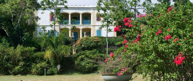Visitez le musée de Villèle à Saint-Gilles les Bains avec Keylodge, expert des locations saisonnières à la Réunion
