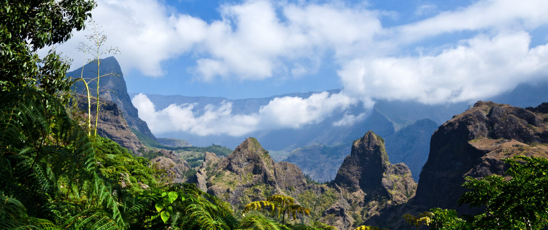 Découvrez le cirque de Mafate avec Keylodge, expert de la locations saisonnière à la Réunion