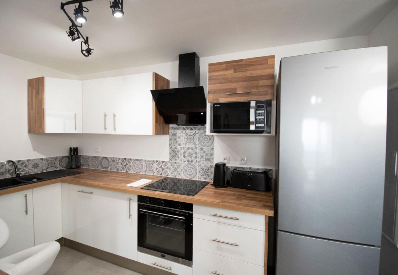 Apartment in Sainte Clotilde - T4 - CozyLodge - 70 m2 - Renovated - 10 mn from Saint-Denis airport