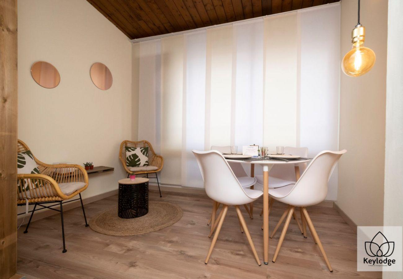 Apartment in Sainte-Clotilde - T2 - L'Ecrin d'Or 2** - Duplex 42m2 - 10mn from airport