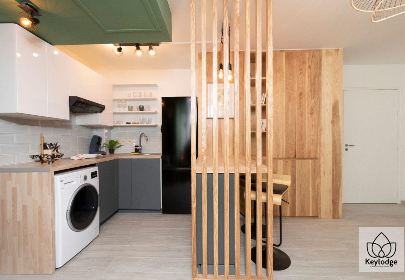 Apartment in Saint Denis - T2 - Marquises 3*** - 45m2 - Renovated - Saint-Denis