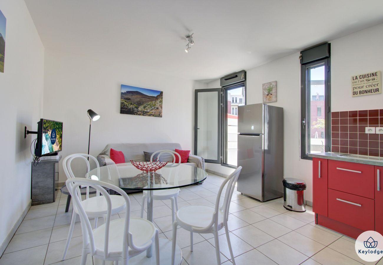 Apartment in Saint Pierre - T2 - Ti Patio - 38 m2 – Sea front - St-Pierre