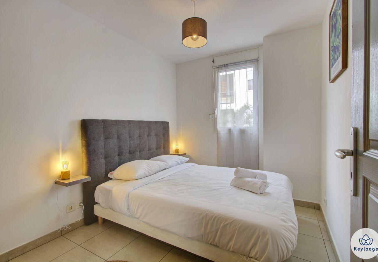 Apartment in Sainte-Clotilde - T3 - Ti Cactus*** - 50 m2 – Terrace – 8mn from airport