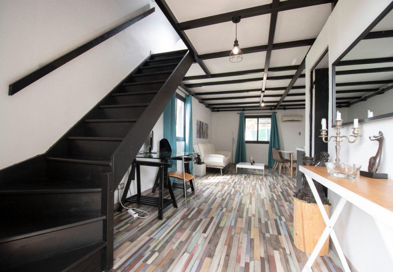 Apartment in Sainte-Clotilde - T2 - Le Corail - Duplex 45m2 - 10 mn airport