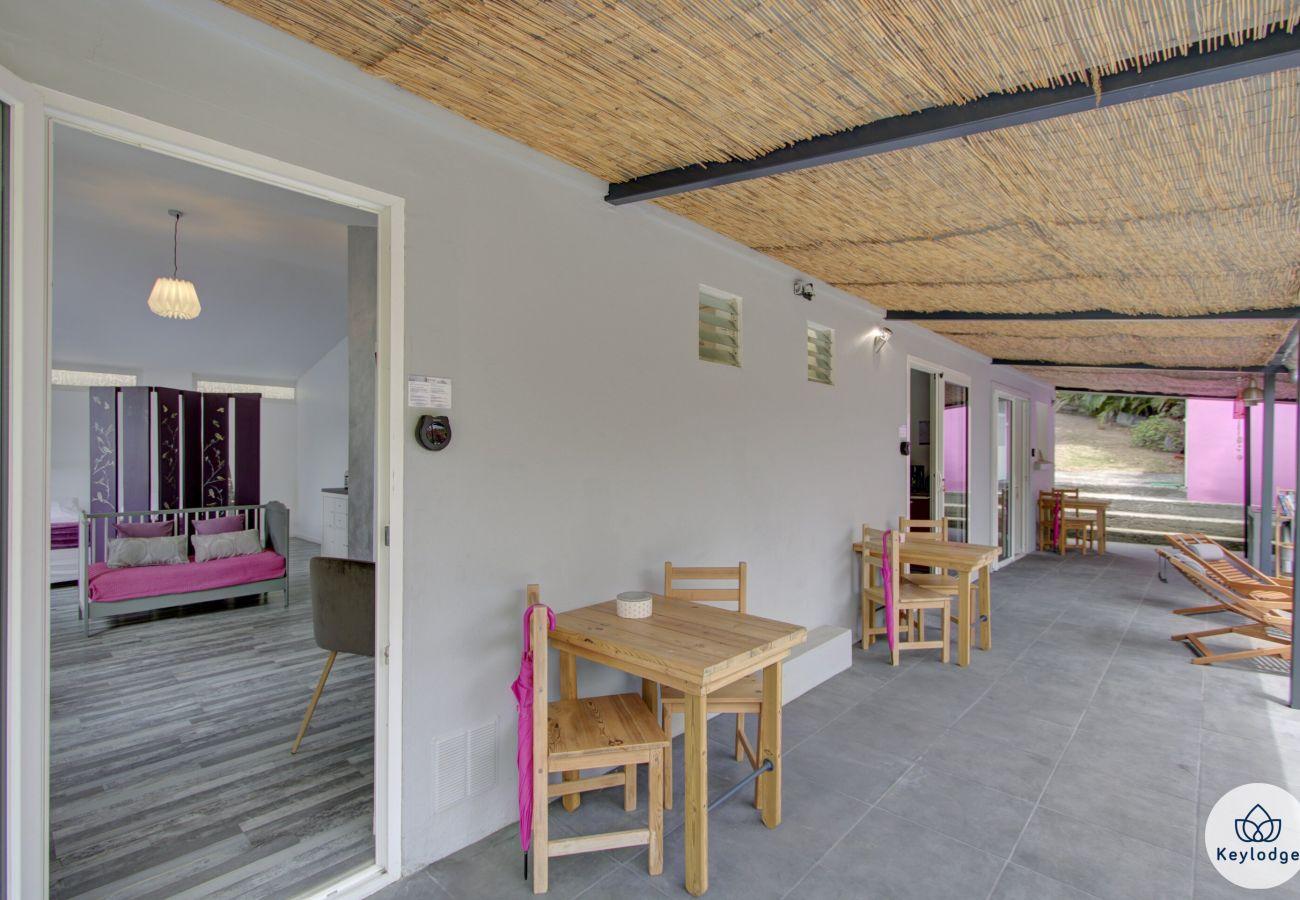 Rent by room in Sainte-Clotilde - Guest room « La Vierge » - Les Ser(e)ins – Nature – St-Denis
