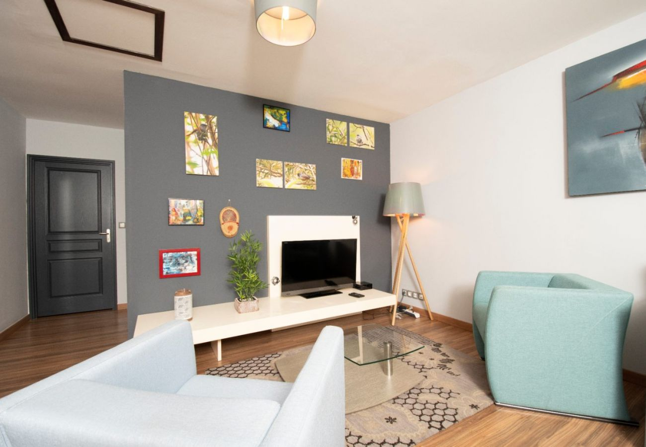 Apartment in Sainte-Clotilde - T3 - Sweet'Home 3*** - 55 m2 - close to the airport