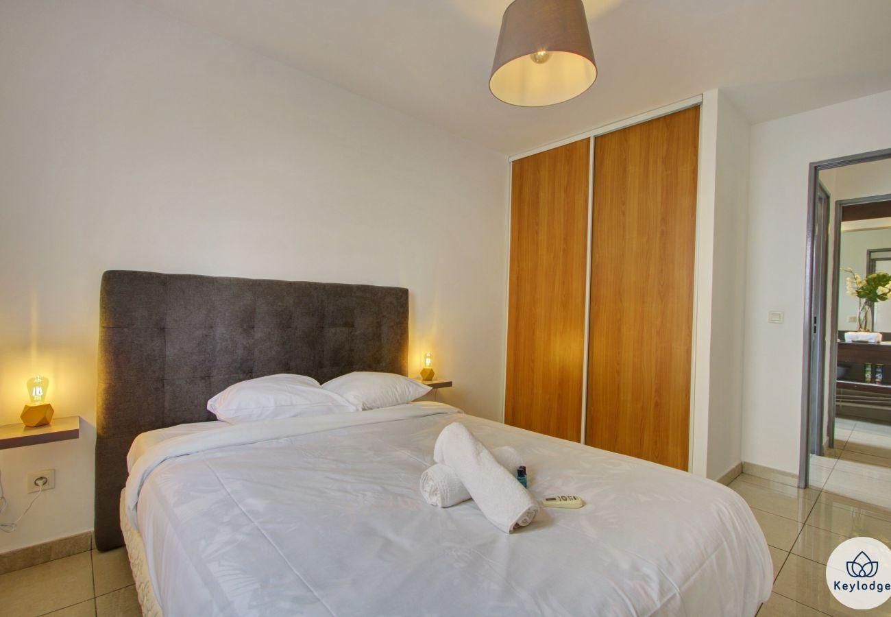 Apartment in Sainte-Clotilde - T3 - Ti Cactus - 50 m2 – Terrace – 8mn from airport