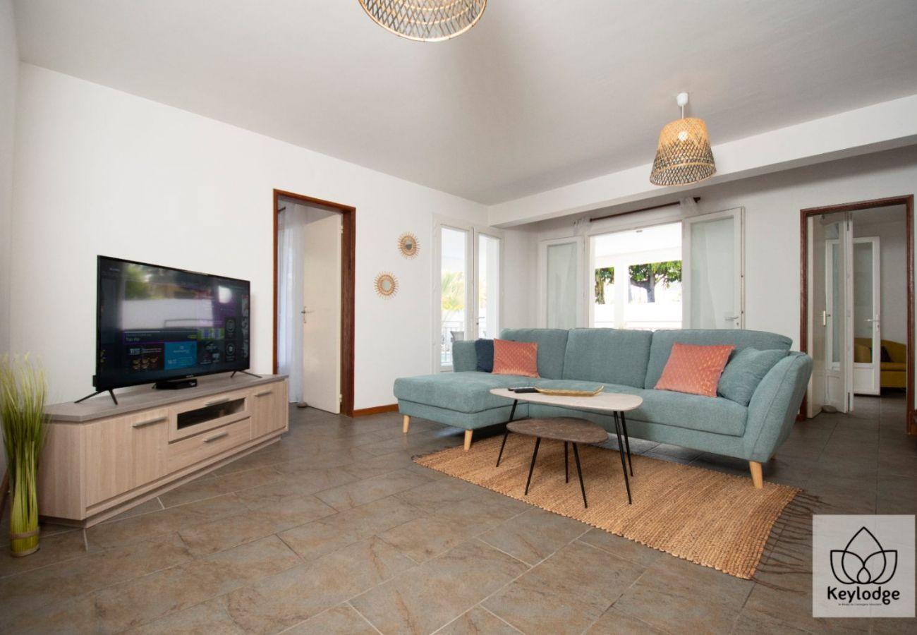 Villa in Saint-Paul - Villa de la Baie 4**** - 187 m2 - Swimming Pool & Jacuzzi - Seafront St Paul