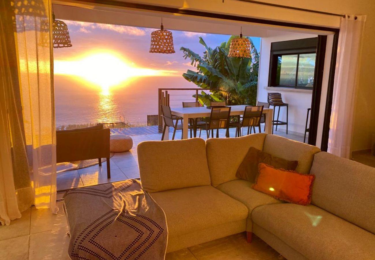 Villa in Saint-Leu - Villa Paloma - 140 m2 - Swimming pool - Exceptional view of the ocean - Saint Leu
