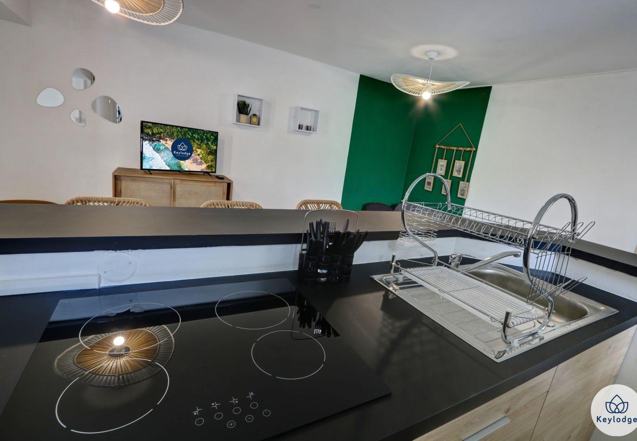 Apartment in Saint-Gilles les Bains - T1 bis - Terrasse - 42 m2 - Close to the beach - Saint-Gilles-les-Bains
