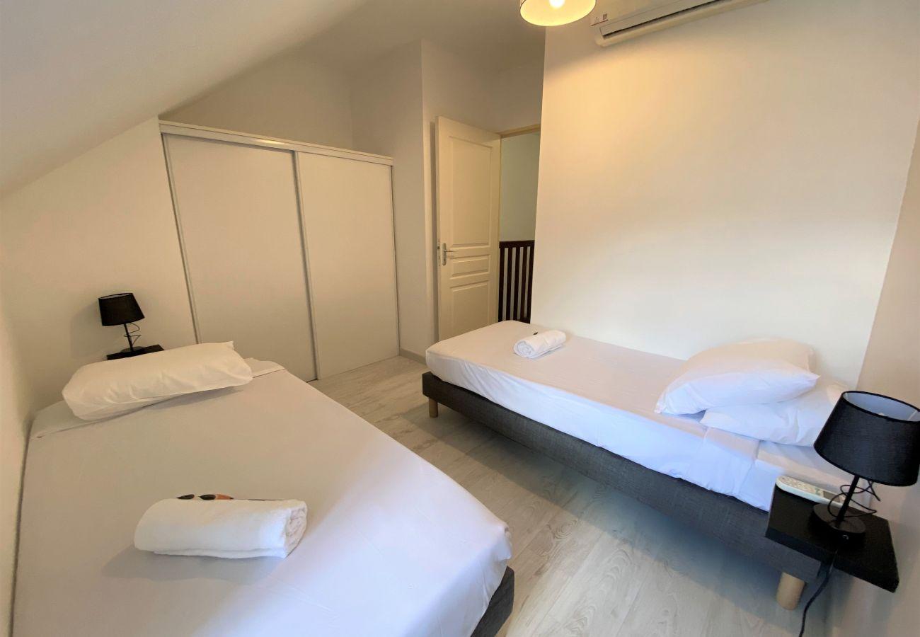 Apartment in Sainte-Clotilde - T3 - Pitaya*** - 47m2 - Swimming pool - Saint-Denis