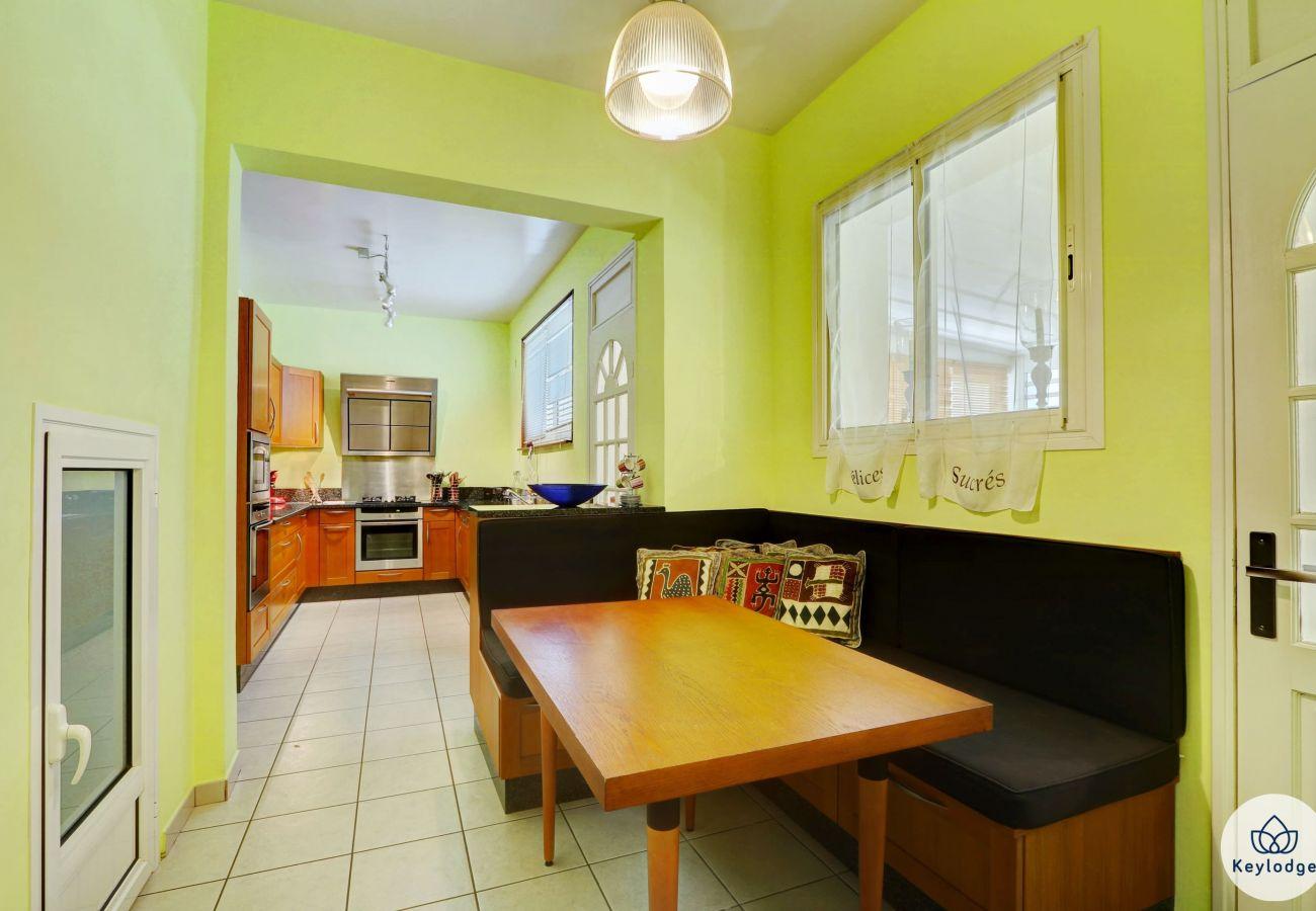 House in Saint-Denis - Kaz Badamiers– 180 m²-  Close to Saint-Denis city centre