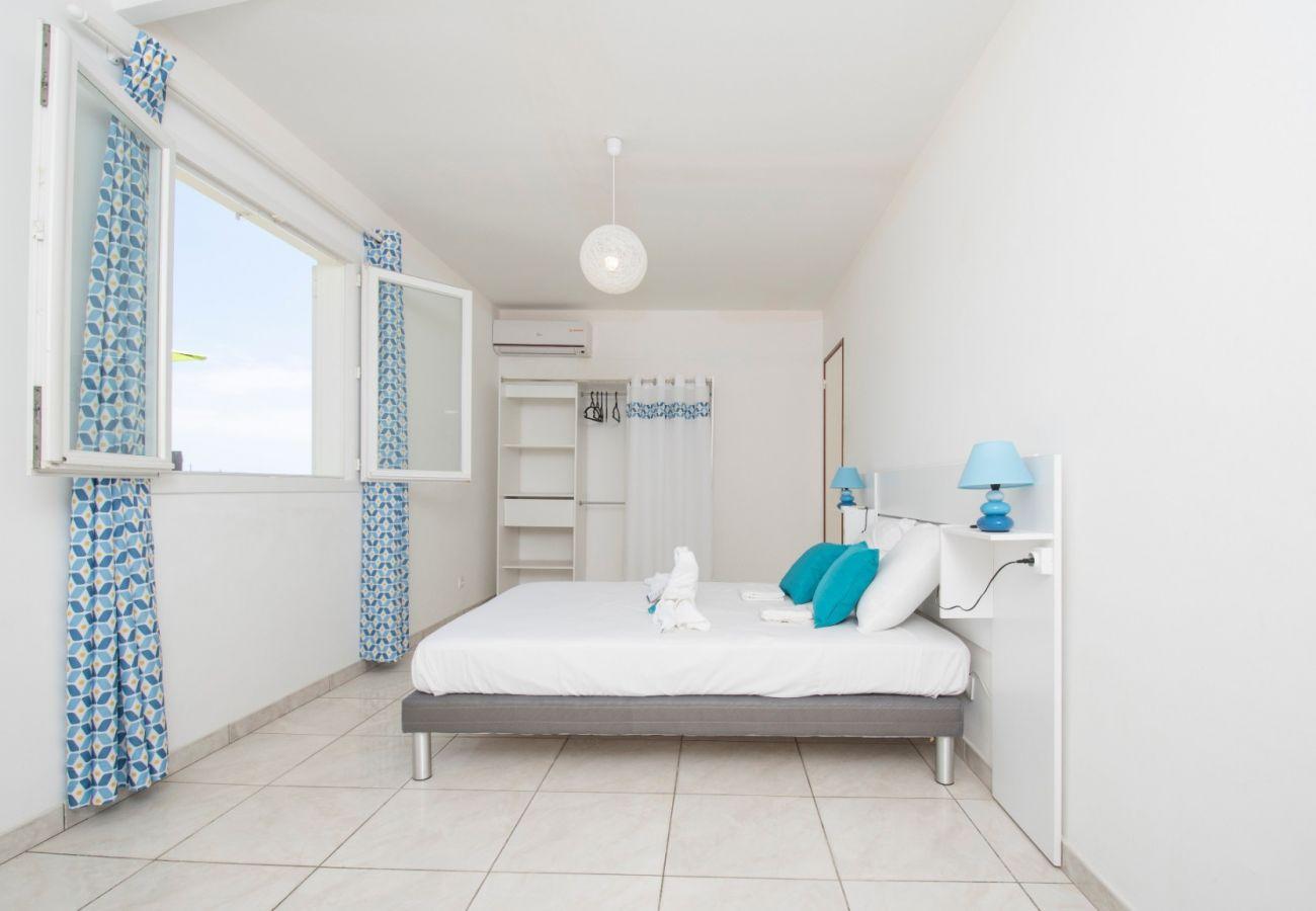Villa à Saint-Gilles les Bains - Villa Perroquet 4****, 157 m2, Piscine, Accès direct plage Boucan Canot