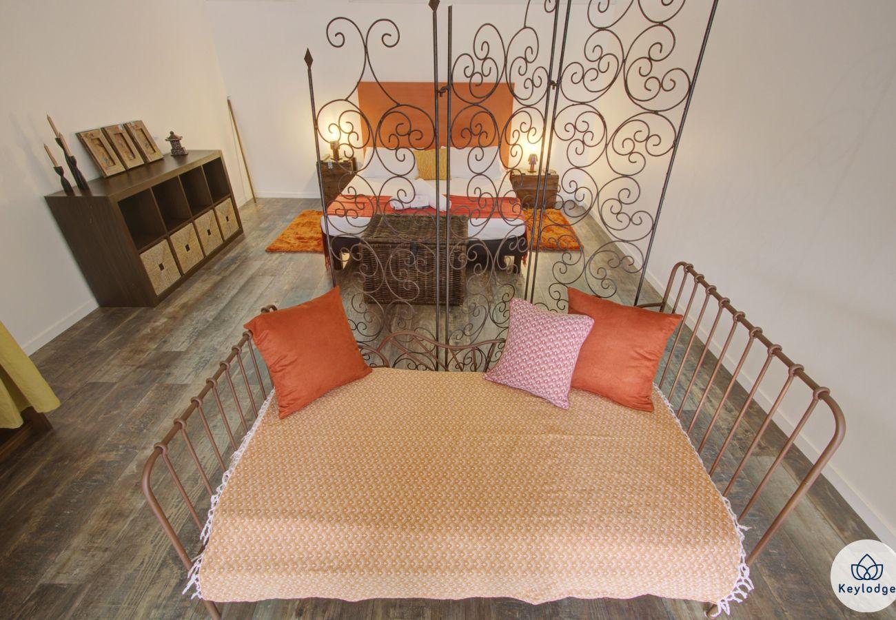 Chambres d'hôtes à Sainte-Clotilde - Chambre « Le Cardinal » - Les Ser(e)ins – Nature – St-Denis