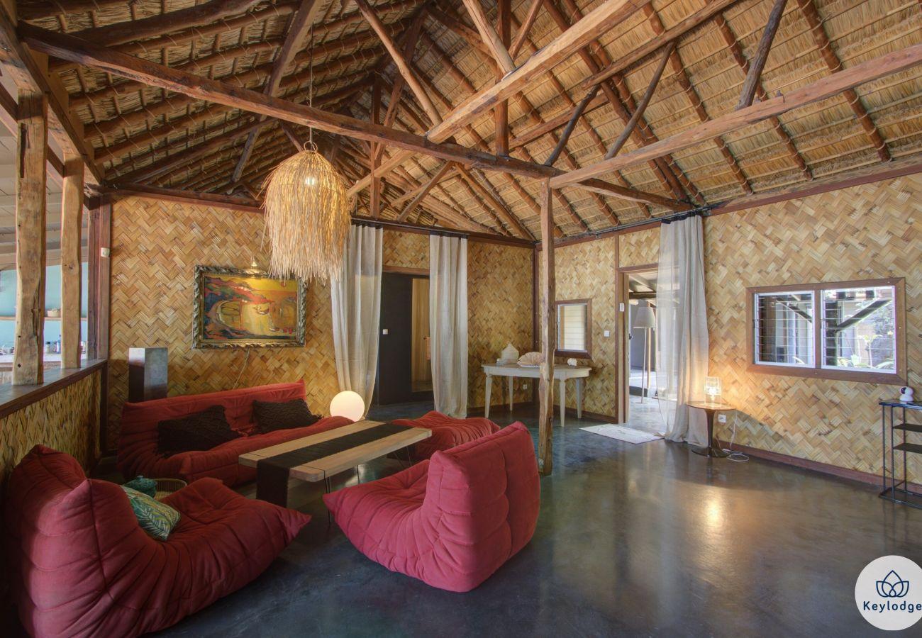 Villa à Saint-Gilles les Bains - Villa Bois de Vie - 217 m2 – Piscine - Pieds dans l'eau  - Grand Fond