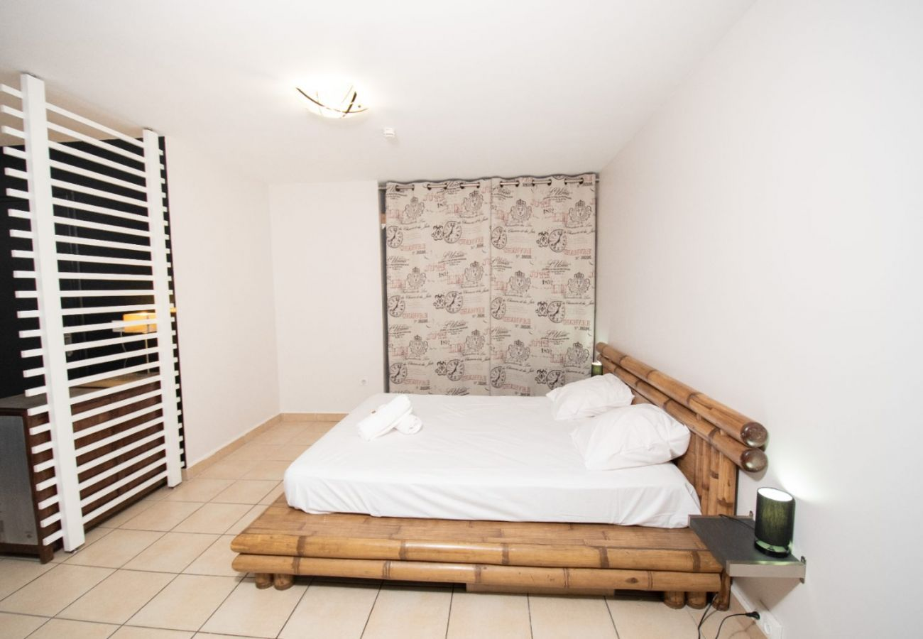 Studio à Sainte-Clotilde - T1 - Gadiamb - 45m2 - 10mn aéroport - Ste-Clotilde