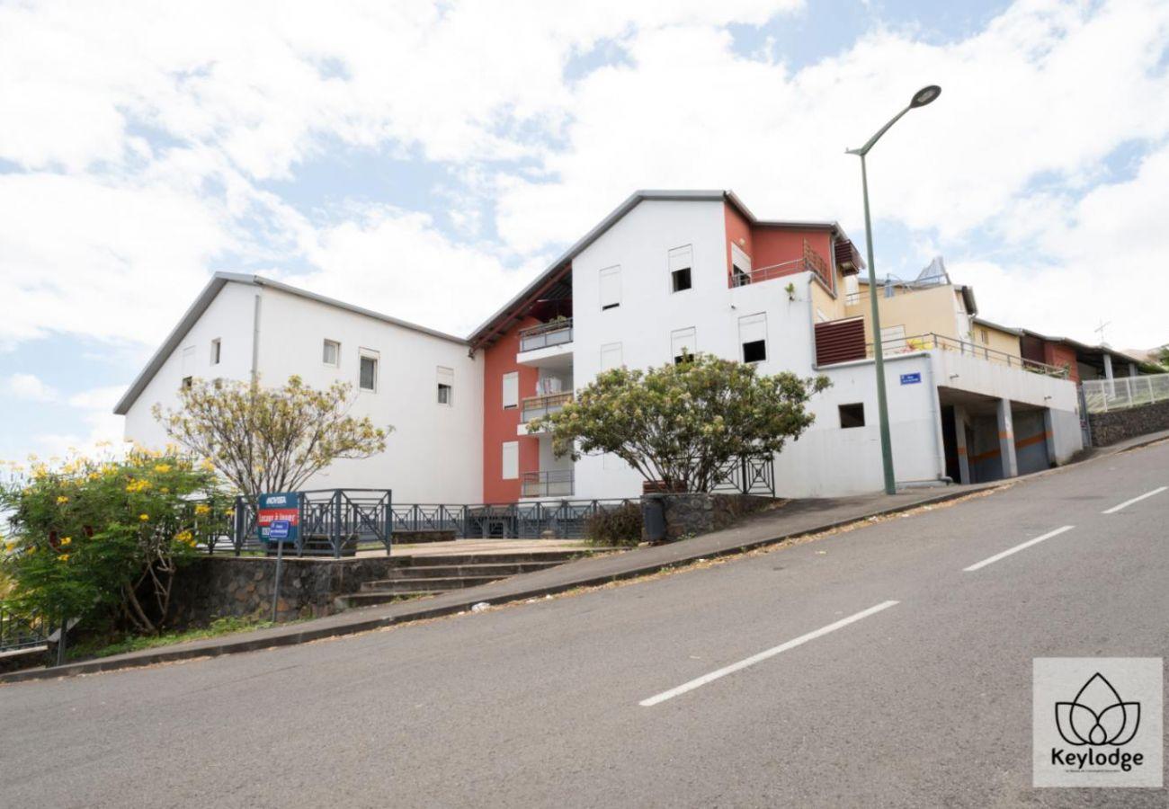 Studio à Sainte-Clotilde - T1 - Le Vétiver 3*** - 30m2 - Vue mer - 10mn aéroport