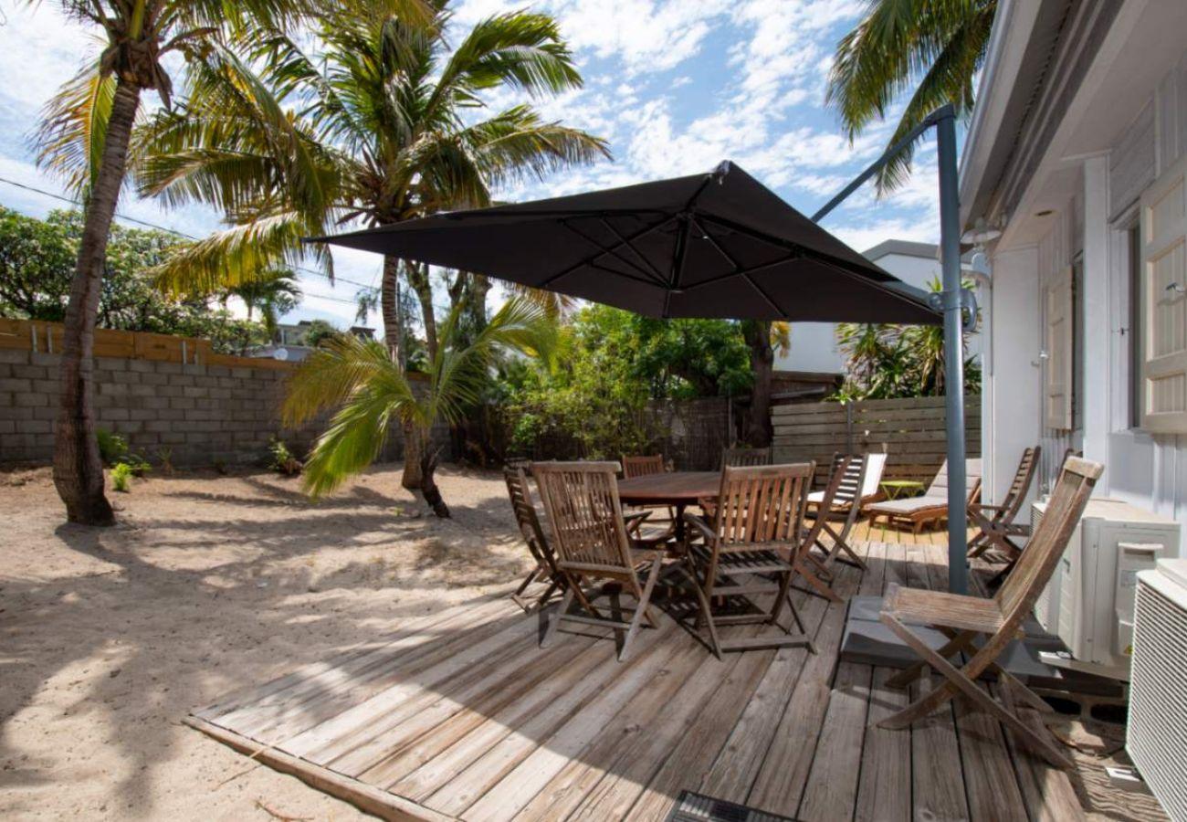 Villa à Saint-Gilles les Bains - Villa La Cabane 3*** - 3 chambres - à 50 m de la plage de Grand Fond - St-Gilles les Bains