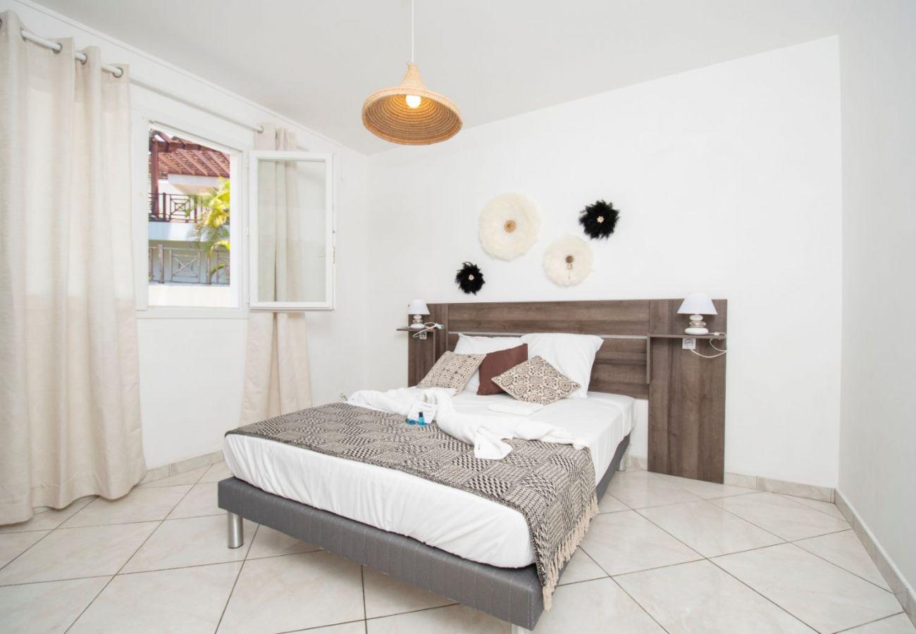 Villa à Saint-Gilles les Bains - Villa Perroquet 4**** - 157 m2 - Piscine - Accès direct plage Boucan Canot