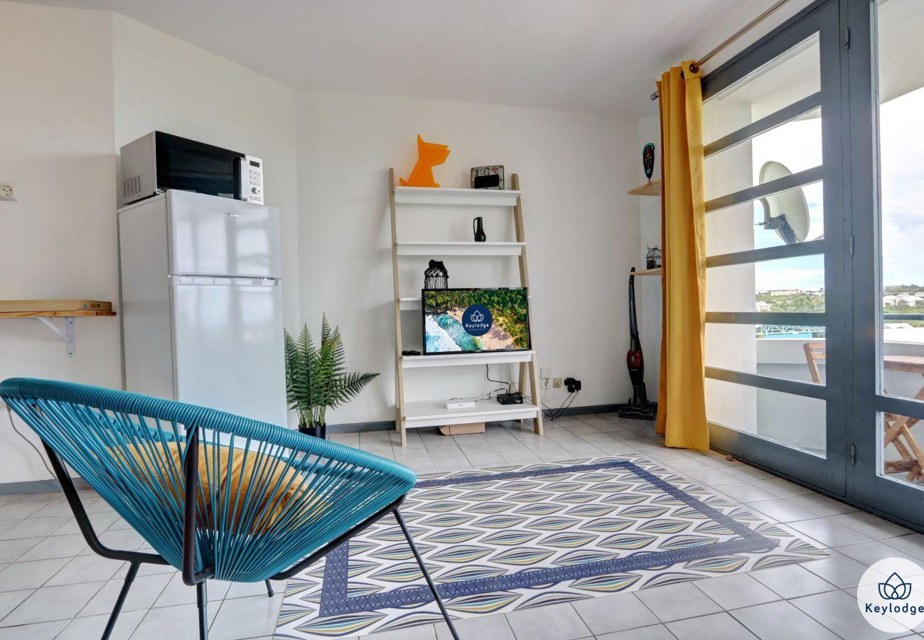 Studio à LA POSSESSION - T1 - Grenadille – Rénové - 38 m2 – La Possession
