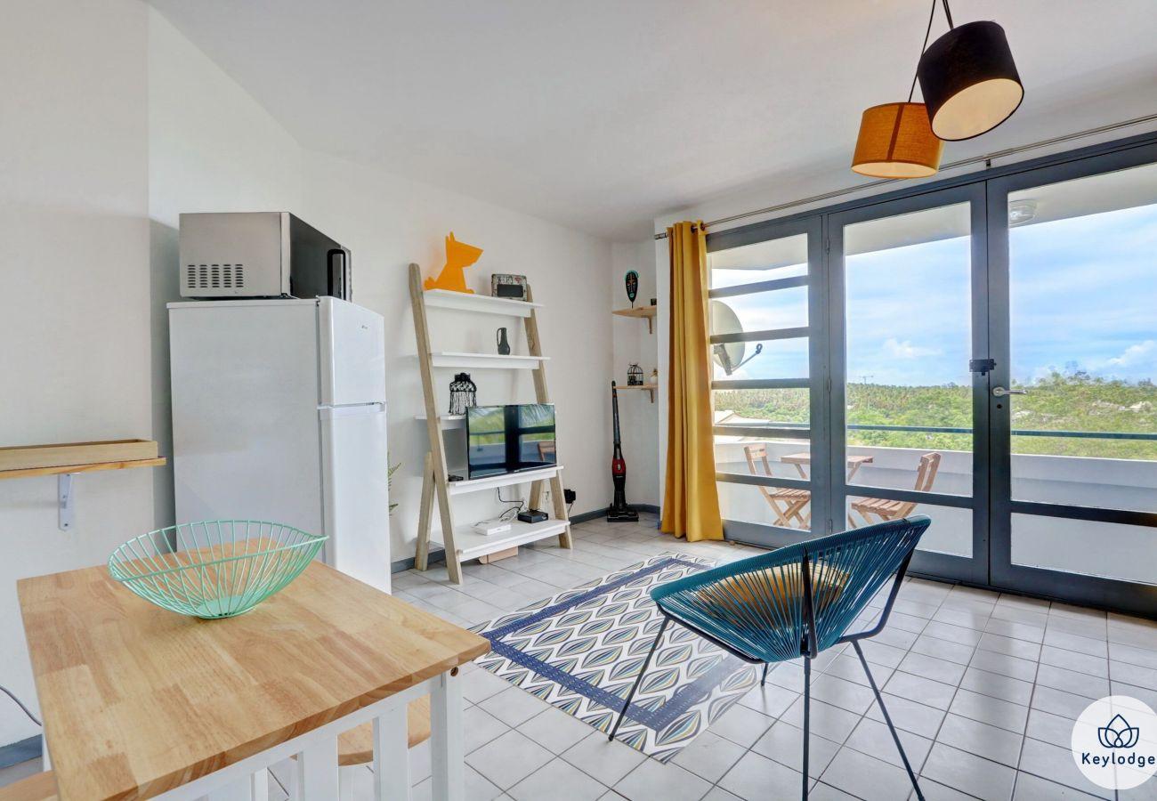 Studio à LA POSSESSION - T1 - Grenadille – Rénové - 38 m2 – La possession - 20 mn des plages