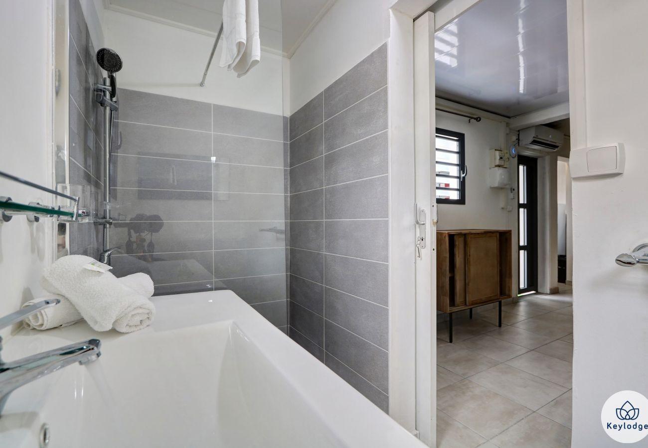 Studio à Saint-Gilles les Bains - T1 bis – Lagon - 35 m2 – Proche des plages - Saint-Gilles-les-bains