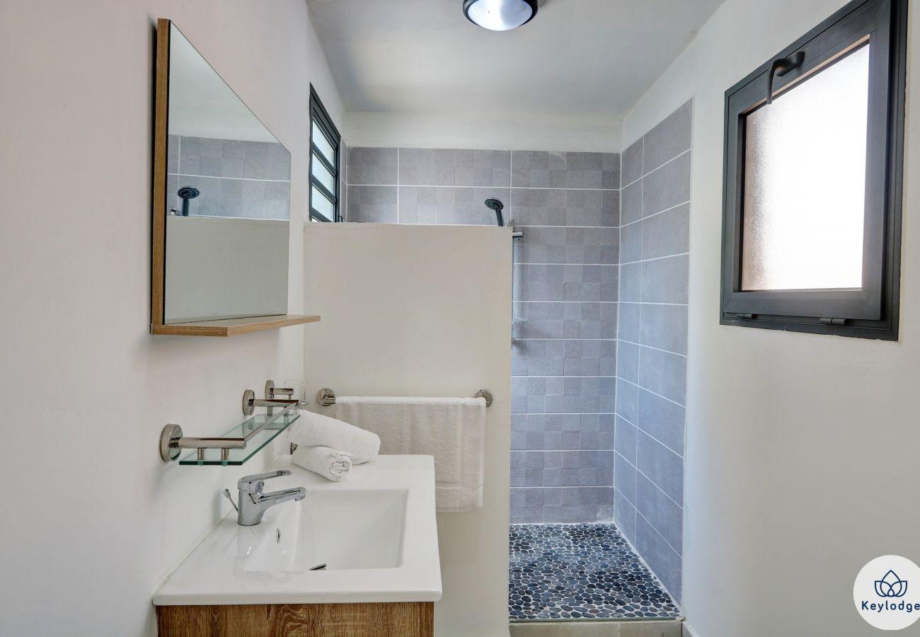 Appartement à Saint-Gilles les Bains - T1 bis – Terrasse – 42 m2 – Proche des plages – Saint-Gilles-les-bains