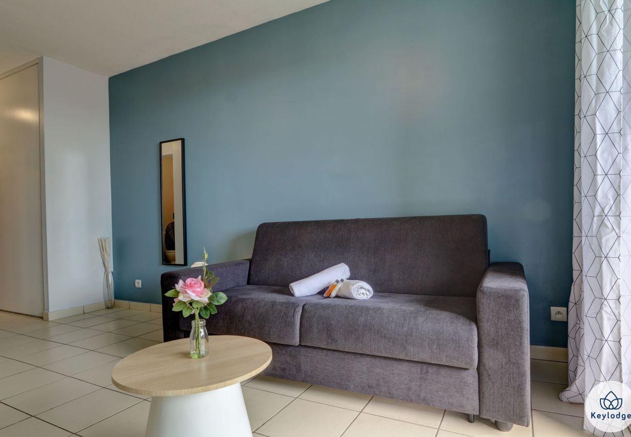 Studio à Sainte-Clotilde - T1 – Grey*** – 24 m2 - Piscine - Saint-Denis